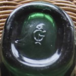 The base shows the mark of Imperial Glass